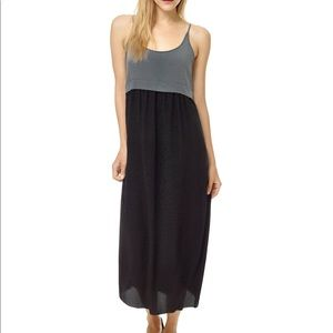 Aritzia Wilfred Bisous Dress in Black and Grey